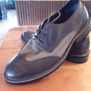 Robert Wayne Leather and Canvas Lace up Oxford